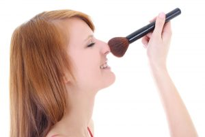 girl-with-makeup-brush